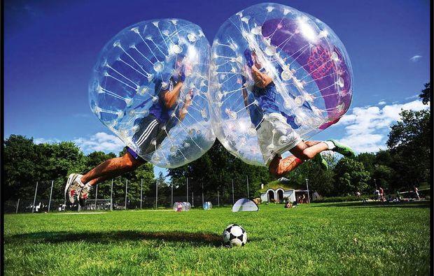 فوتبال حبابی دانش آموزی